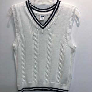 Boys Janie and Jack size 3 cable knit sweater vest